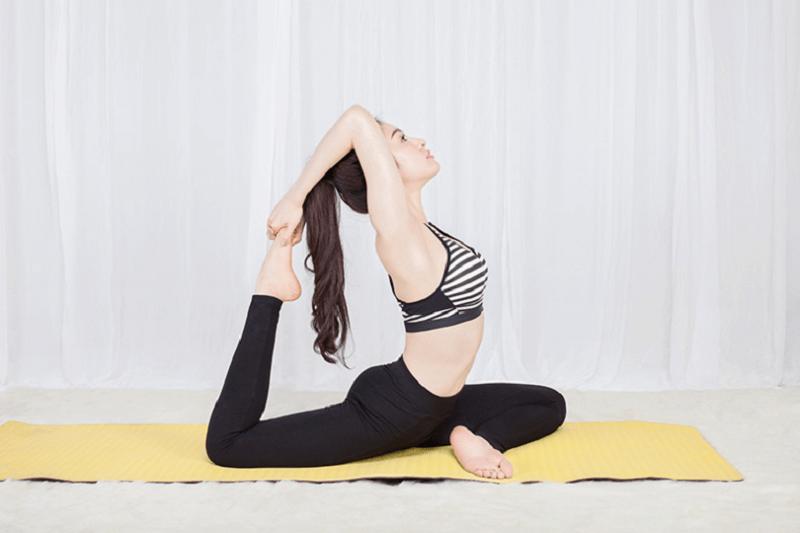 Tập thể dục nhẹ nhàng ngay tại nhà là thói quen giúp bạn bắt đầu ngày làm việc hiệu quả