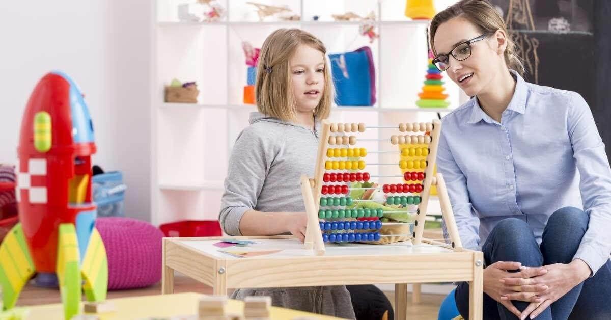 Chứng bệnh Autism là gì? Nguyên nhân và cách điều trị
