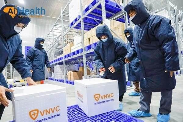 Quy trình vận chuyển vắc xin an toàn và chất lượng.
