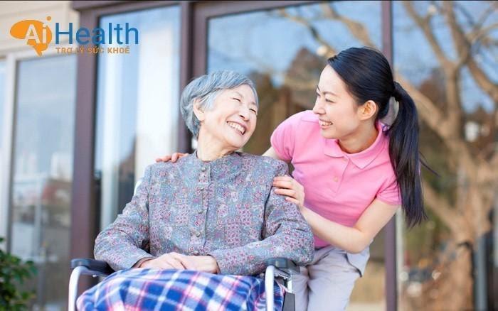 Đa dạng các gói chăm sóc người già, người bệnh có thể đăng ký