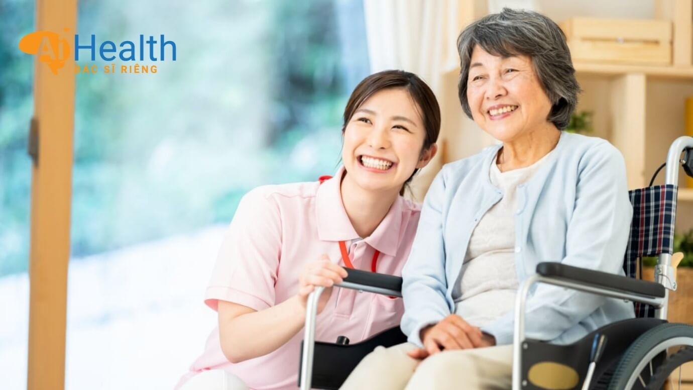 Chăm sóc người già 12h mỗi ngày