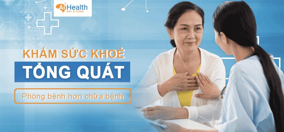 Tiến hành khám lâm sàng để kiểm tra sức khỏe
