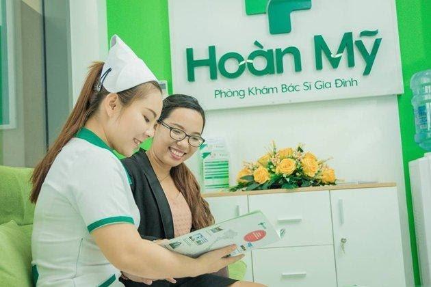 Nhân viên y tế tư vấn và hỗ trợ khách hàng nhiệt tình nhất.
