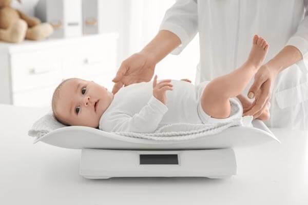 Bảng cân nặng của trẻ sơ sinh mới nhất như thế nào?